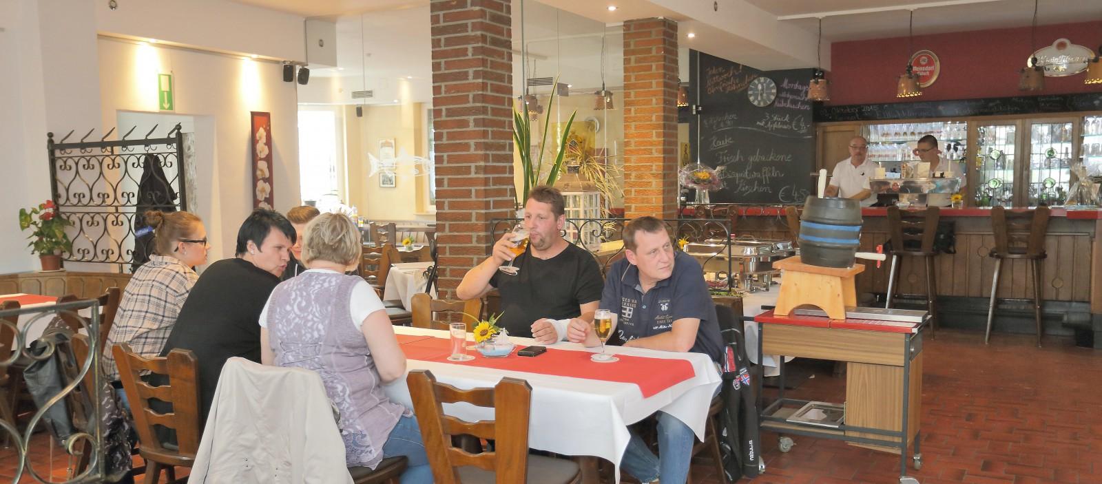 Restaurant Holzeraposs Traditionshaus In Niederzier