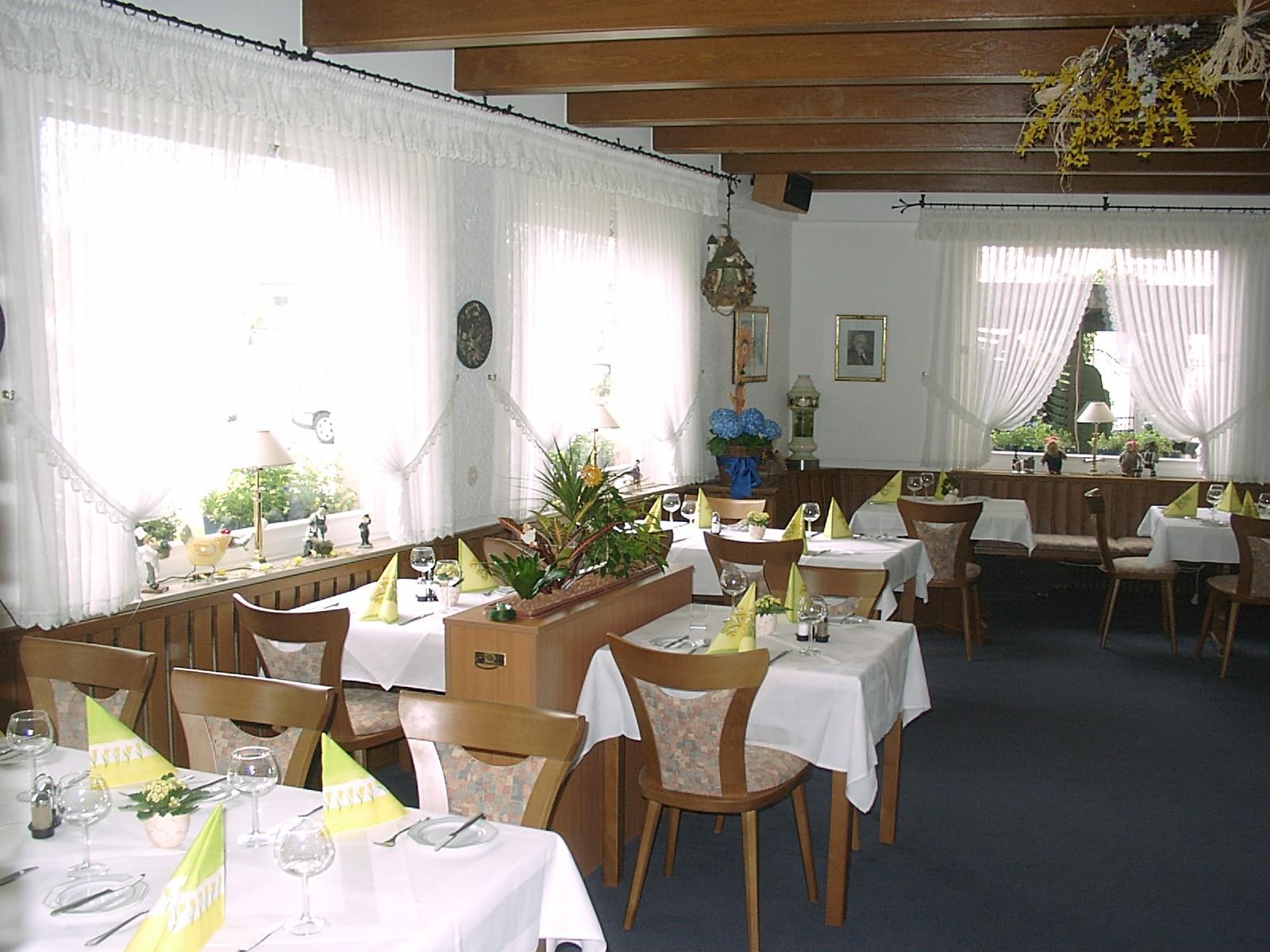 Restaurant Landgasthaus Zur Gemutlichen Ecke In Bornheim