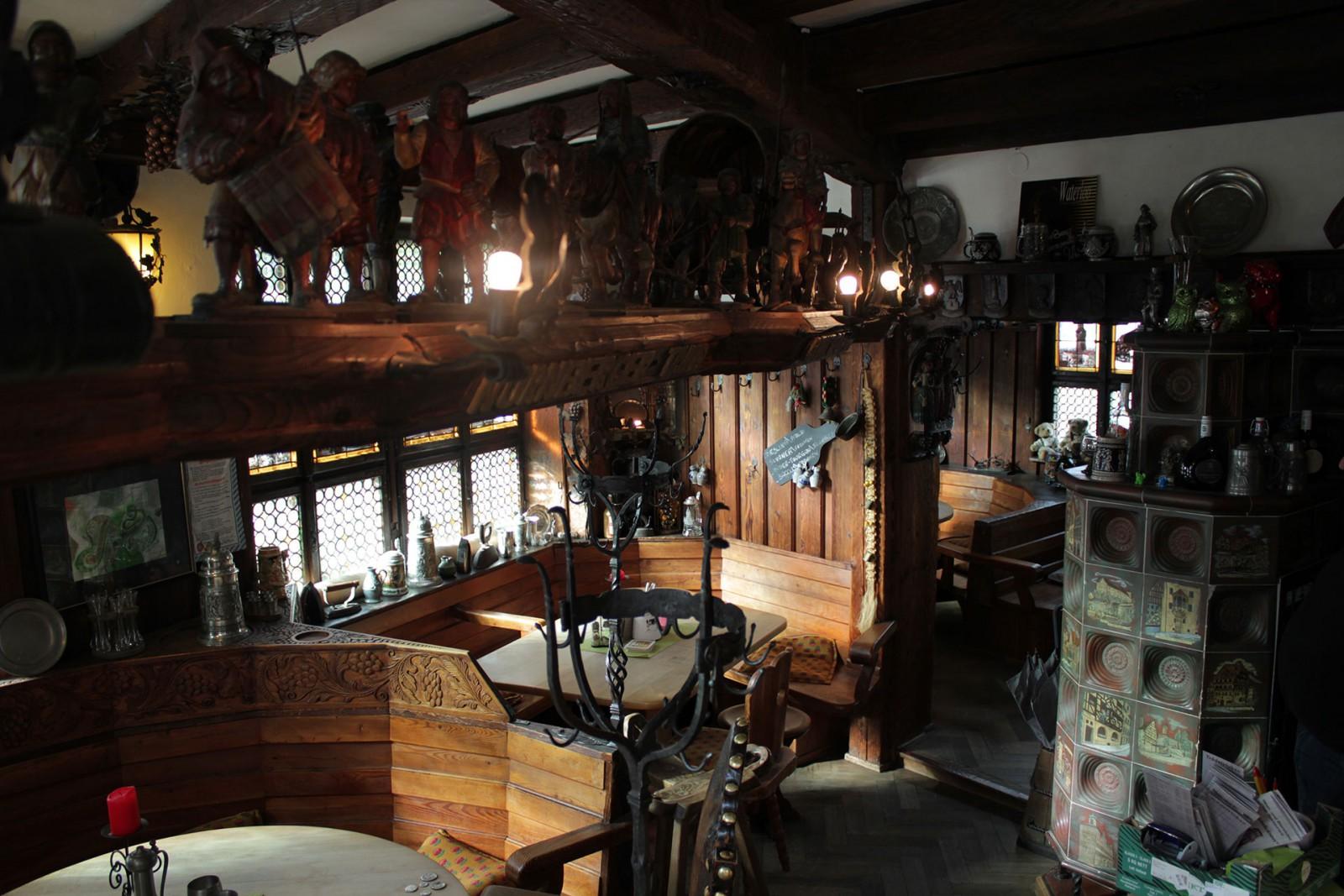 restaurant tr delstuben in n rnberg. Black Bedroom Furniture Sets. Home Design Ideas