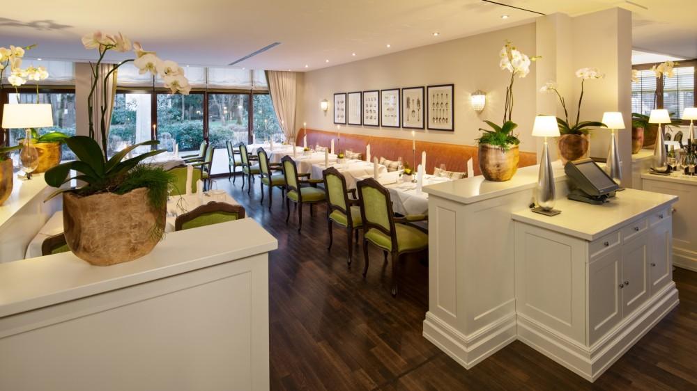 kempinski frankfurt restaurant esstisch in neu isenburg. Black Bedroom Furniture Sets. Home Design Ideas