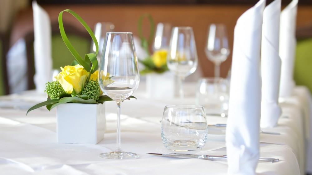 Kempinski frankfurt restaurant esstisch in neu isenburg for Lampen neu isenburg