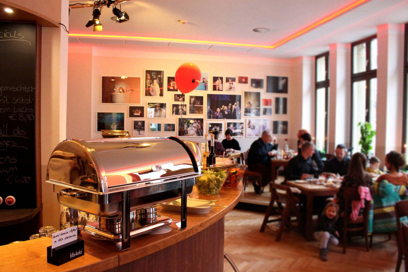 Mephisto - Restaurant Cafe Kneipe Bar Biergarten in Magdeburg