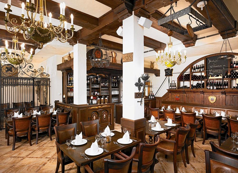 restaurant kurf rstensch nke in dresden. Black Bedroom Furniture Sets. Home Design Ideas