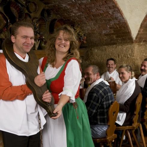 Restaurant Welser Kuche Im Feldherrnkeller In Munchen