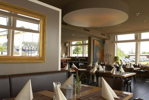 restaurant marina travem nde in l beck travem nde. Black Bedroom Furniture Sets. Home Design Ideas