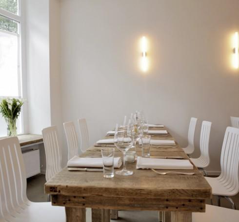 restaurant jellyfish in hamburg. Black Bedroom Furniture Sets. Home Design Ideas