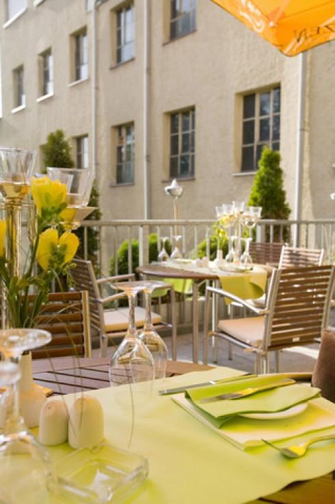 restaurant brandner in regensburg. Black Bedroom Furniture Sets. Home Design Ideas