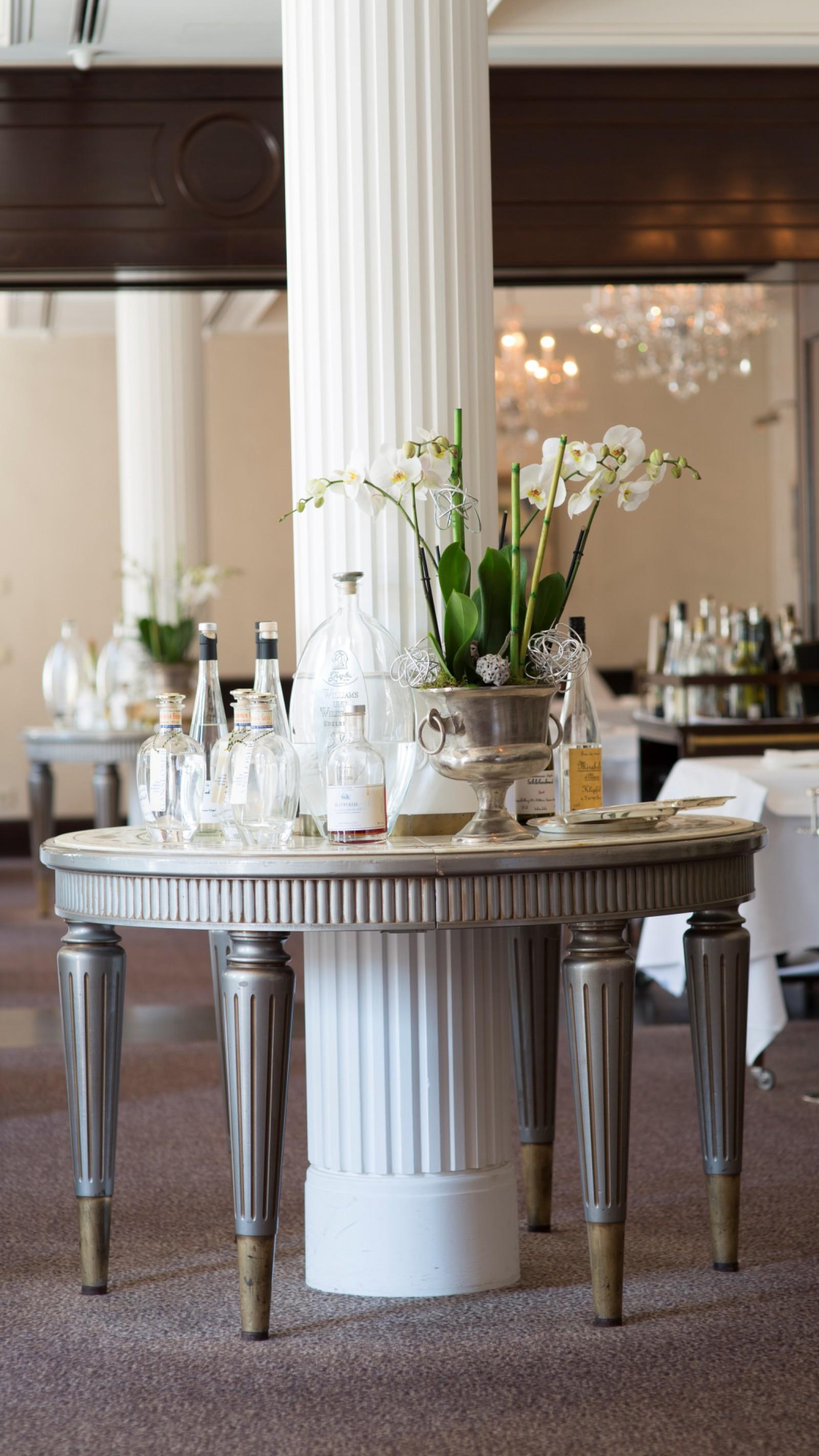 Restaurant Le Cerf im Wald -Schlosshotel Friedrichsruhe in ...
