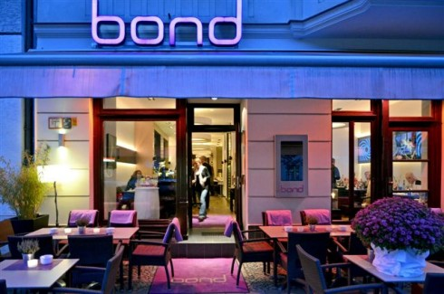 bond restaurant in berlin charlottenburg. Black Bedroom Furniture Sets. Home Design Ideas