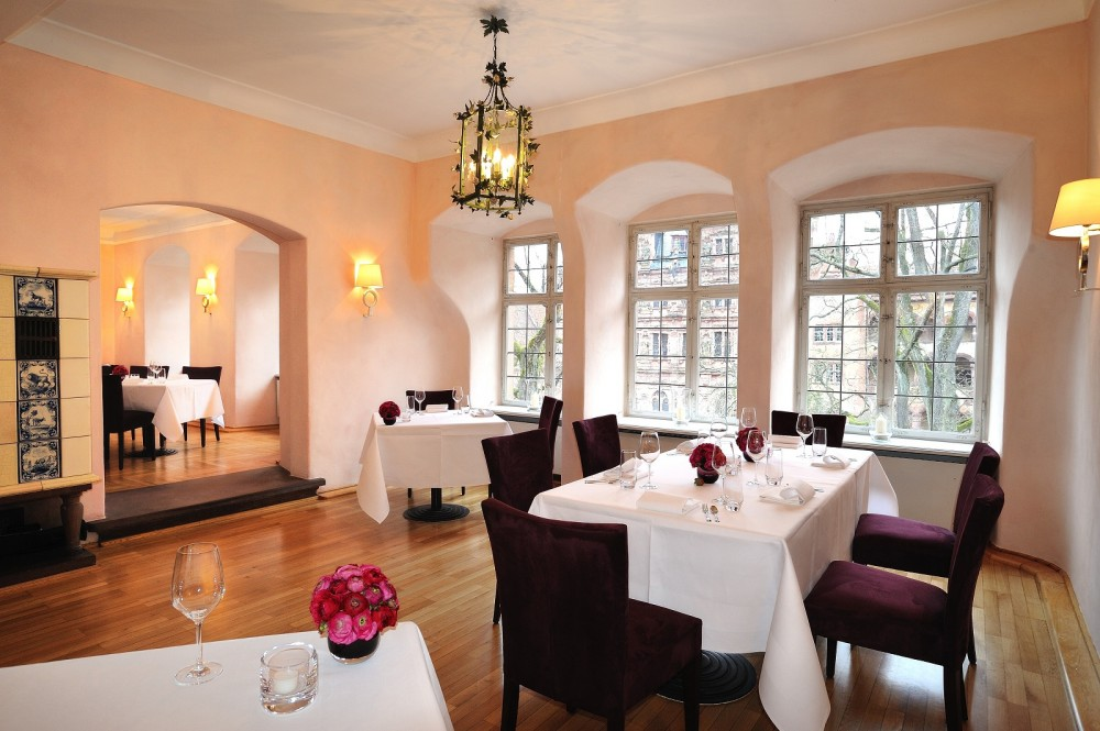 restaurant scharffs schlossweinstube in heidelberg. Black Bedroom Furniture Sets. Home Design Ideas