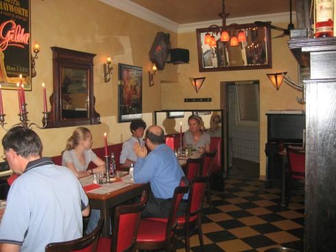 restaurant caf florian in d sseldorf. Black Bedroom Furniture Sets. Home Design Ideas