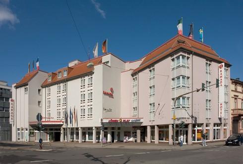 restaurant ramada hotel neustadt in neustadt an der weinstra e. Black Bedroom Furniture Sets. Home Design Ideas