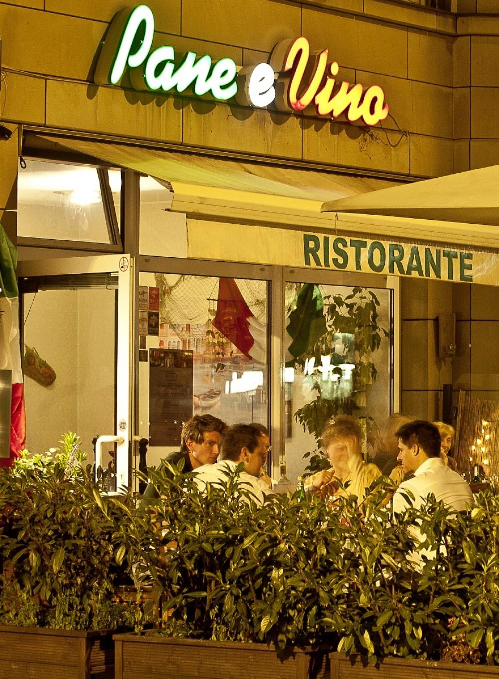 restaurant pane e vino in frankfurt am main. Black Bedroom Furniture Sets. Home Design Ideas