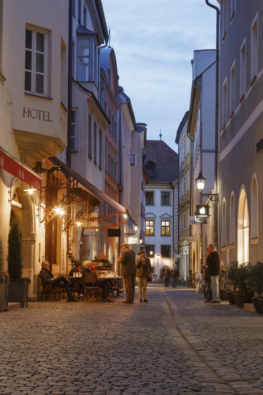 restaurant orphee in regensburg. Black Bedroom Furniture Sets. Home Design Ideas