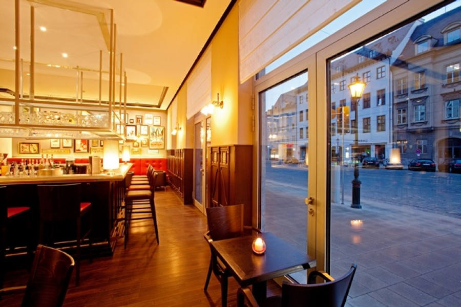 restaurant bar 3m in augsburg. Black Bedroom Furniture Sets. Home Design Ideas