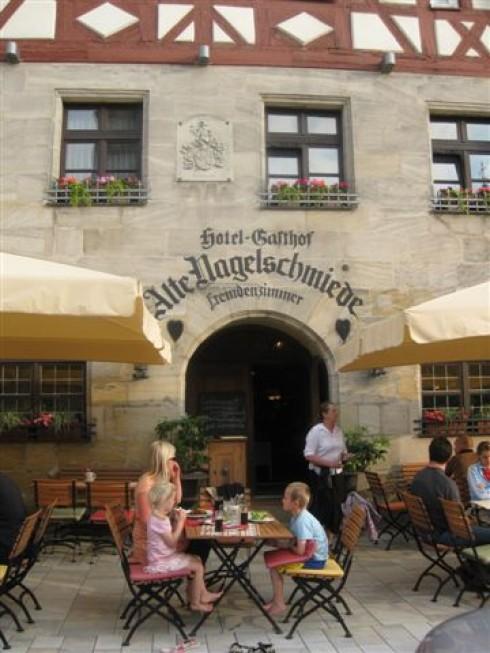 restaurant alte nagelschmiede in altdorf b n rnberg. Black Bedroom Furniture Sets. Home Design Ideas