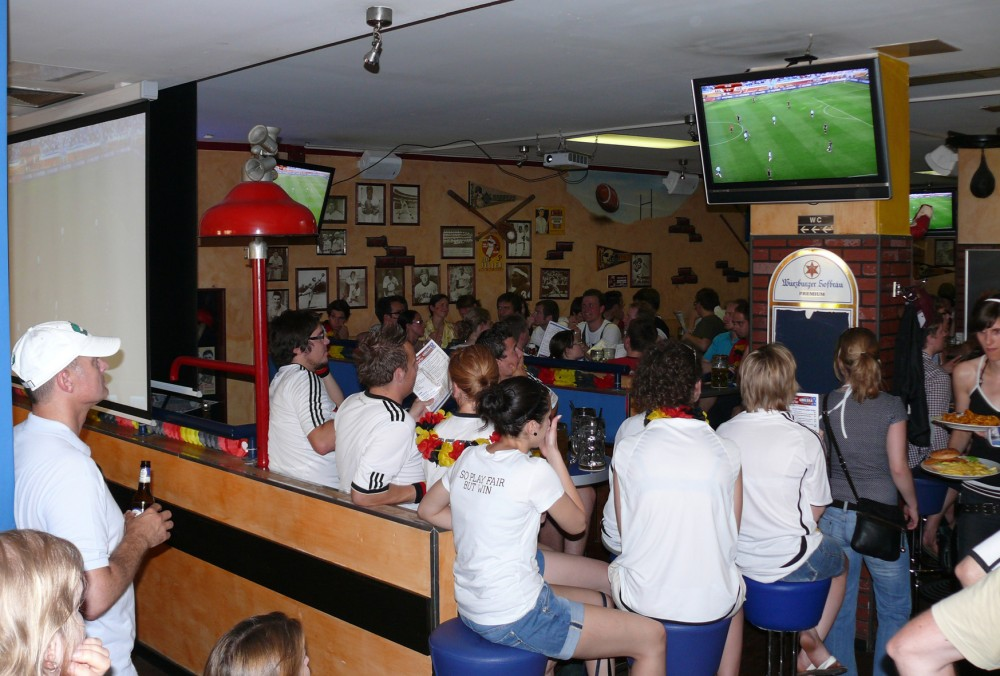 restaurant chelsea american diner sportsbar in würzburg, Wohnzimmer