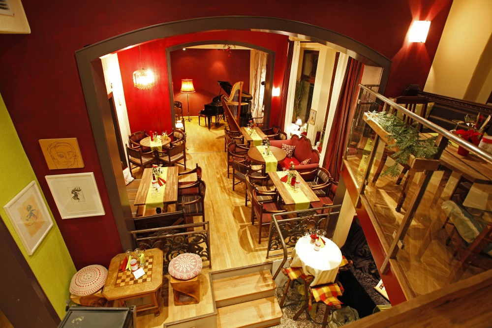 restaurant kanapee konzertlokal in hannover. Black Bedroom Furniture Sets. Home Design Ideas