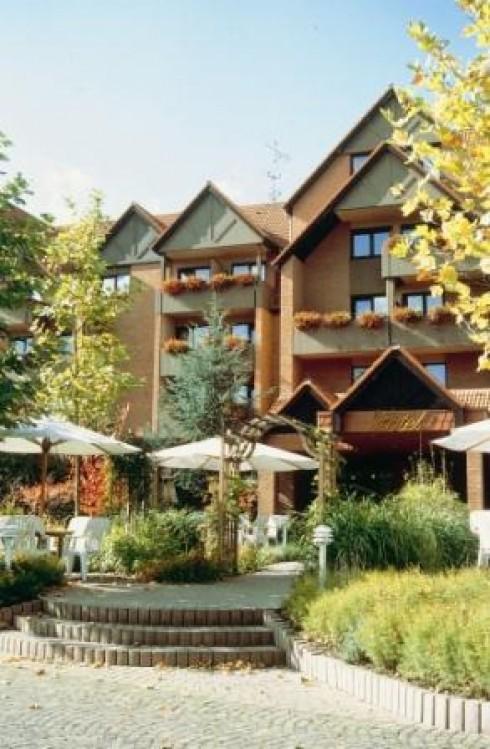 hotel am kurpark tiroler stube parkrestaurant in bad hersfeld. Black Bedroom Furniture Sets. Home Design Ideas