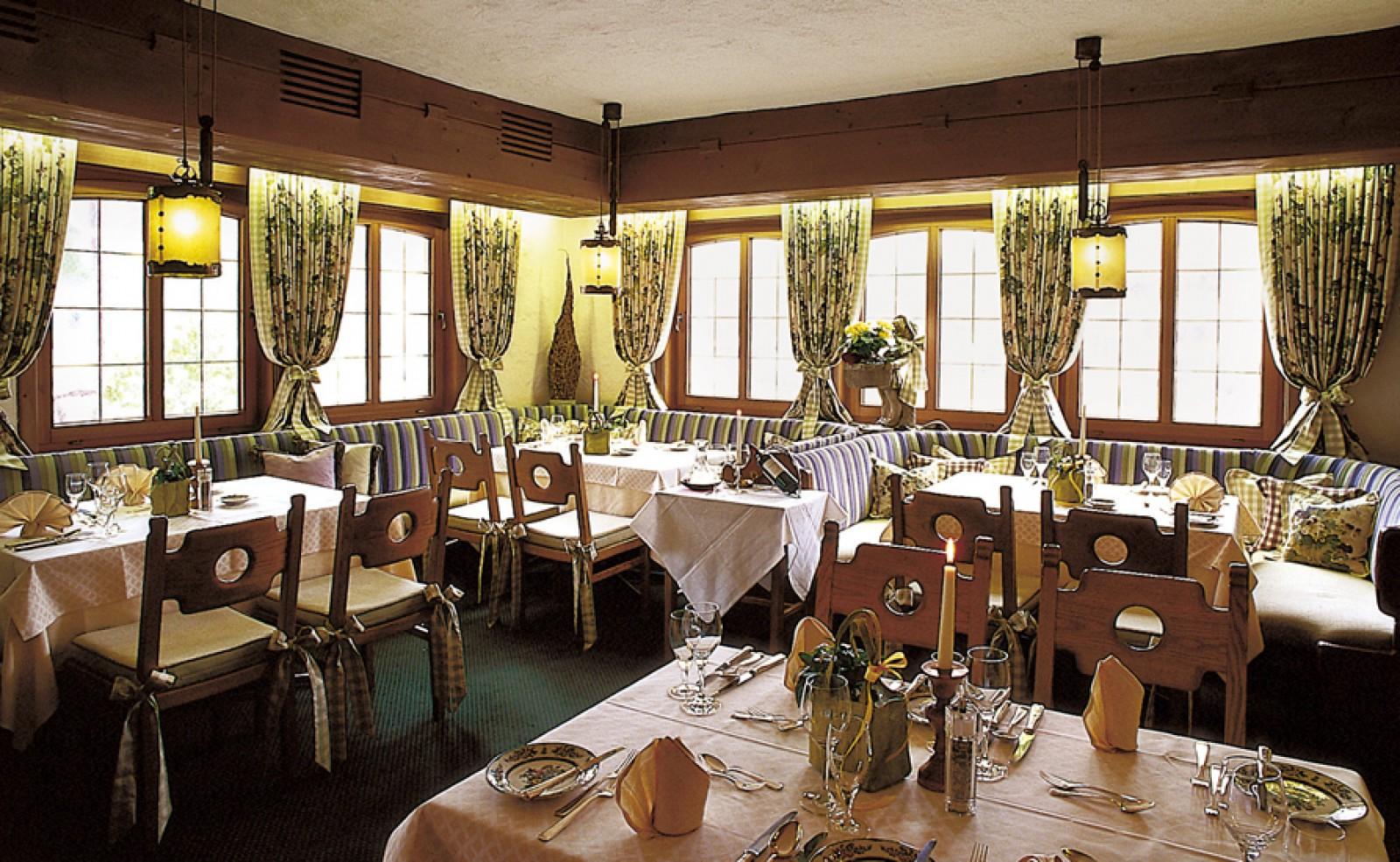 restaurant hotel lamm mitteltal in baiersbronn. Black Bedroom Furniture Sets. Home Design Ideas