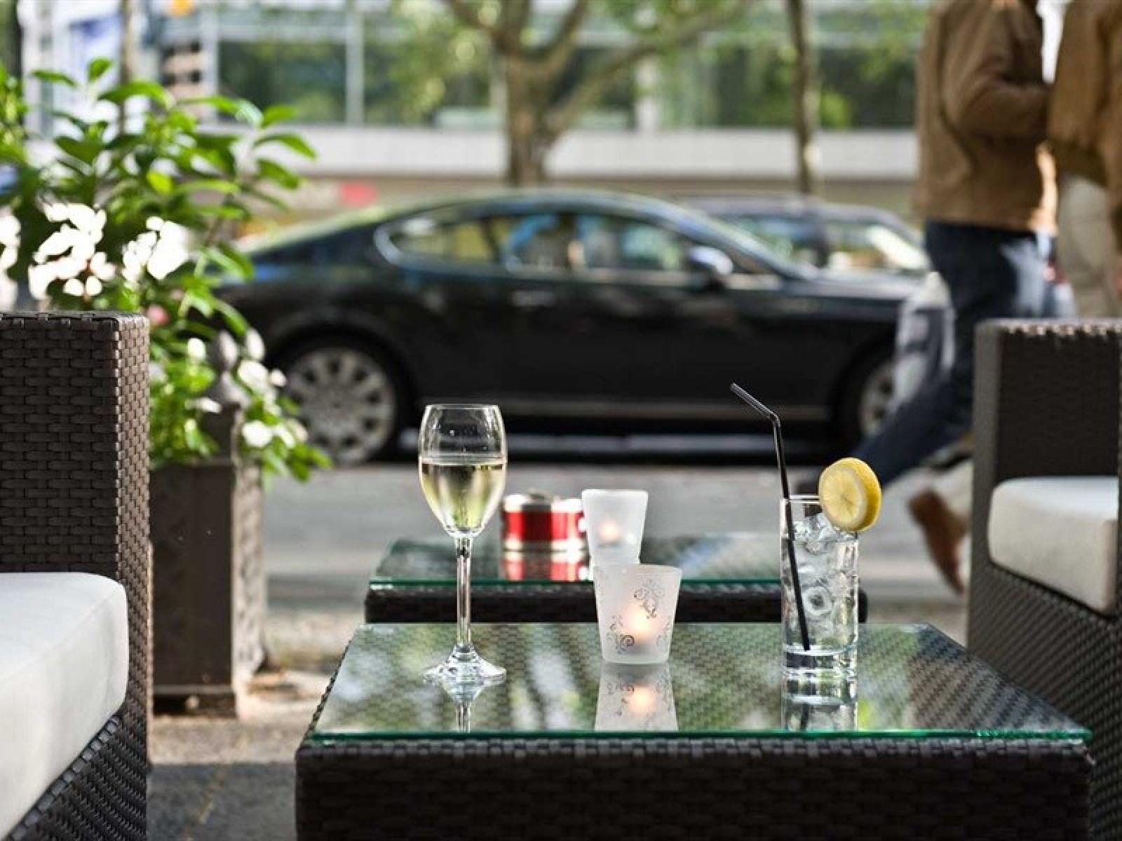 Restaurant Redelsheimer Im Hotel Mondial In Berlin