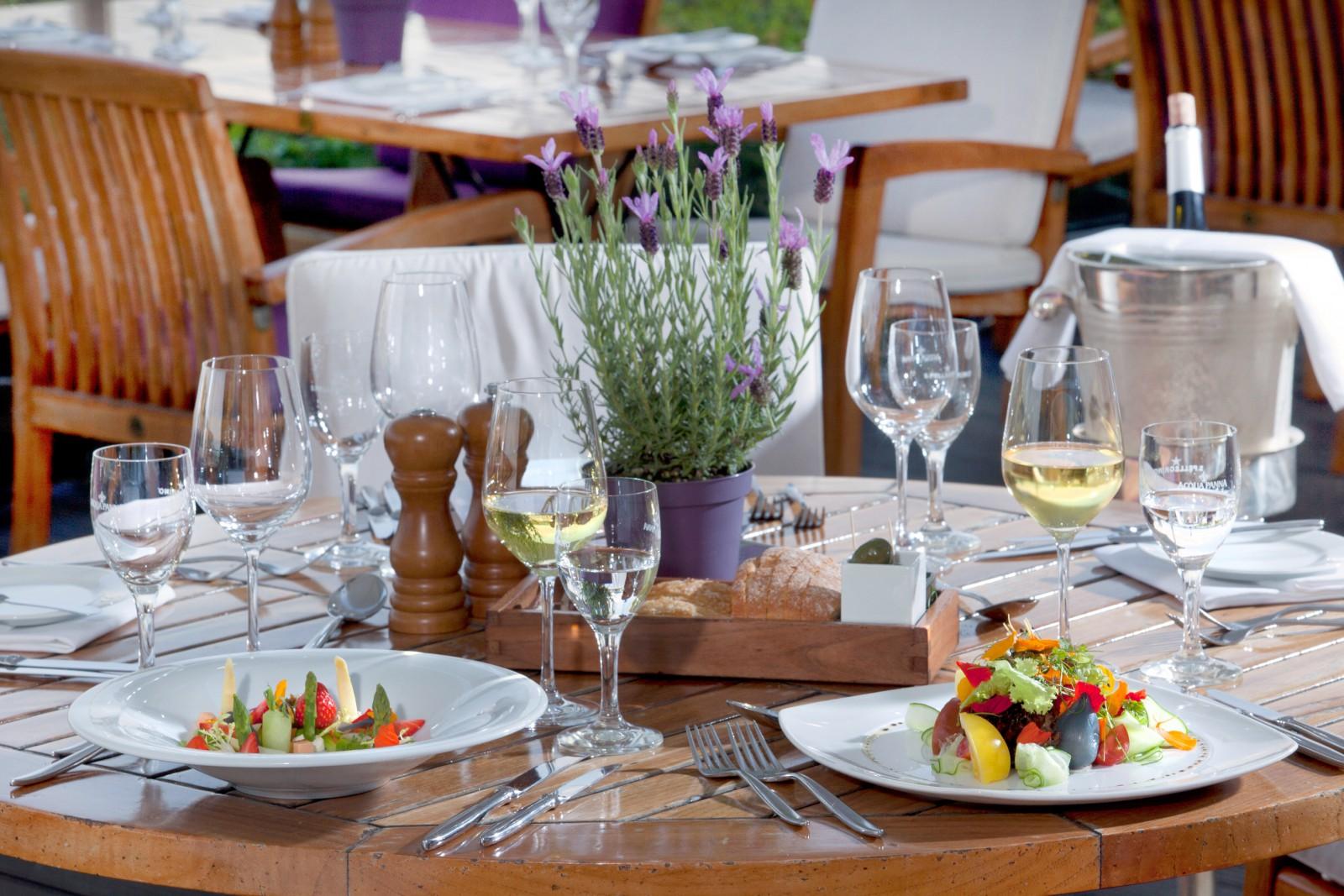 restaurant oliveto im ameron hotel k nigshof bonn in bonn. Black Bedroom Furniture Sets. Home Design Ideas