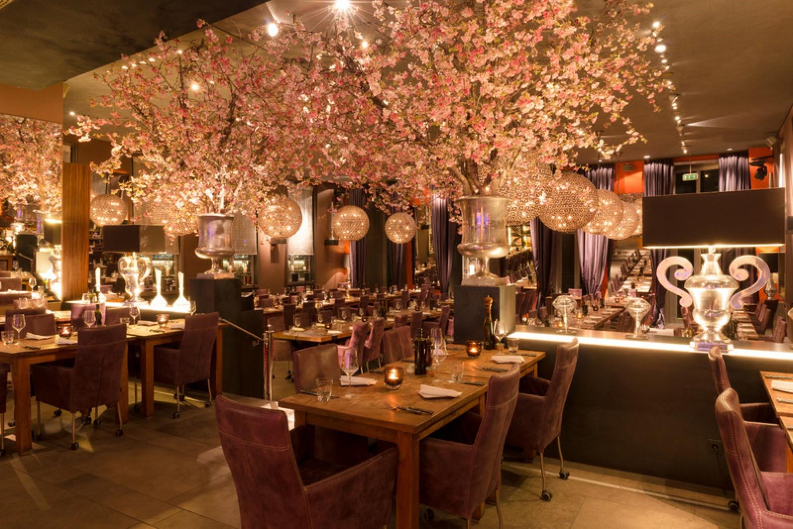 restaurant meerbar in d sseldorf. Black Bedroom Furniture Sets. Home Design Ideas