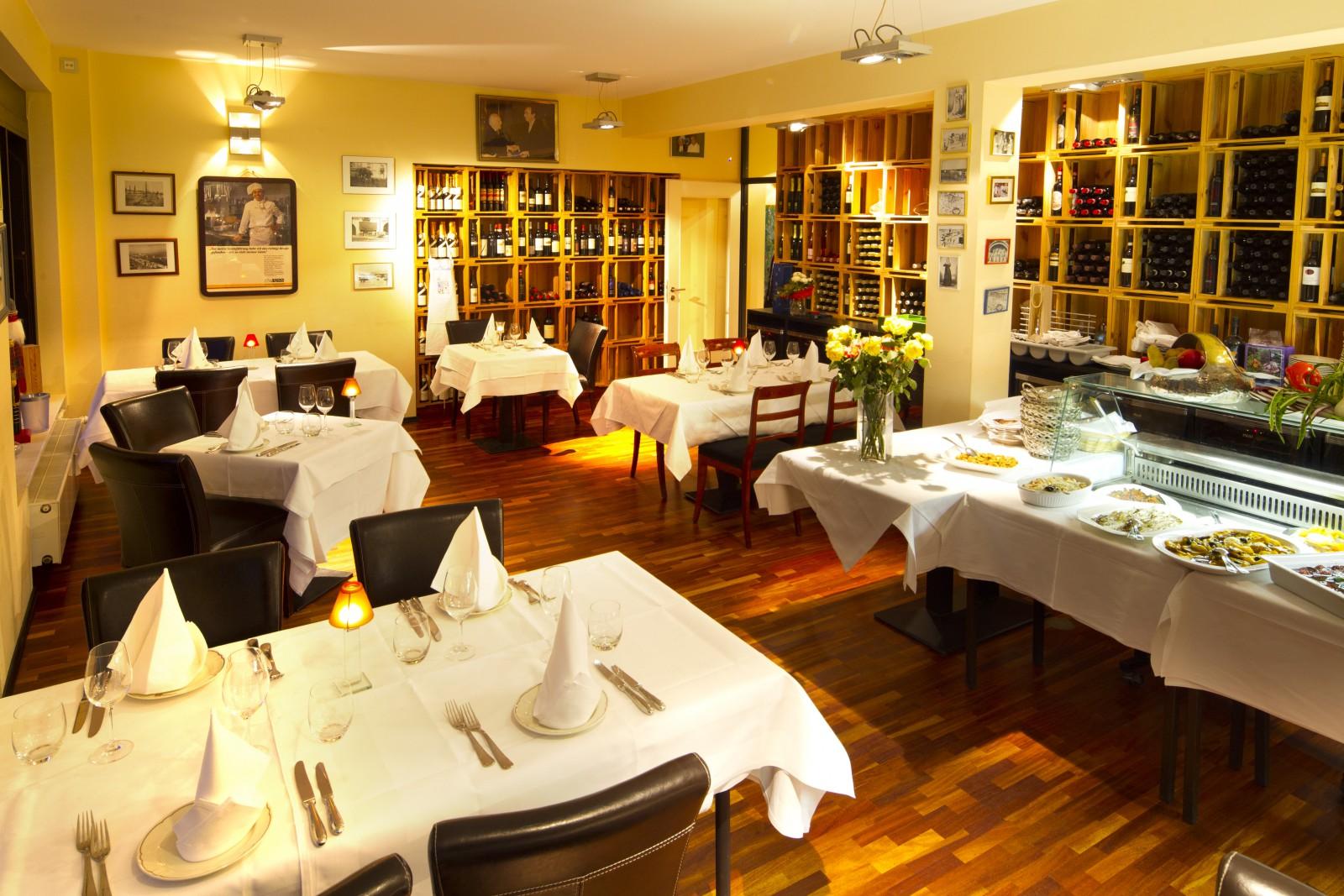 restaurant gastronomie da claudio in frankfurt am main. Black Bedroom Furniture Sets. Home Design Ideas