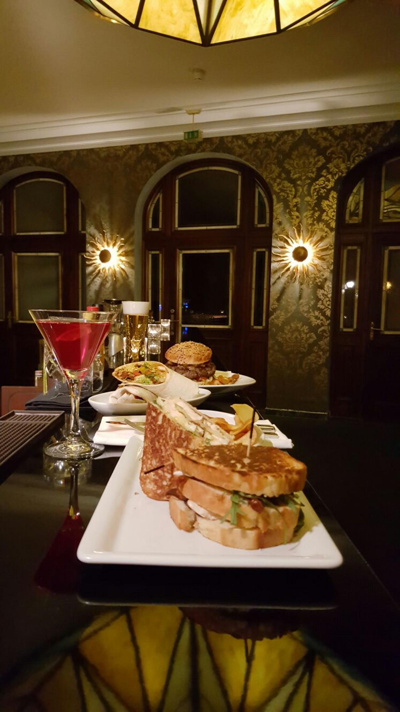 restaurant beefers premium grill bar in leipzig. Black Bedroom Furniture Sets. Home Design Ideas