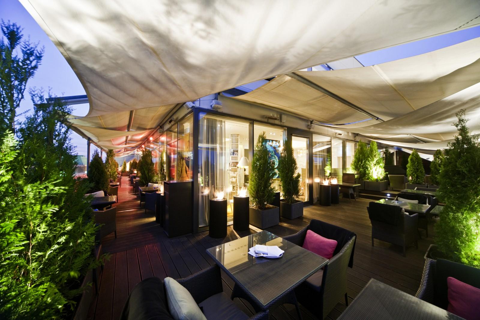 restaurant faces lounge in mannheim. Black Bedroom Furniture Sets. Home Design Ideas