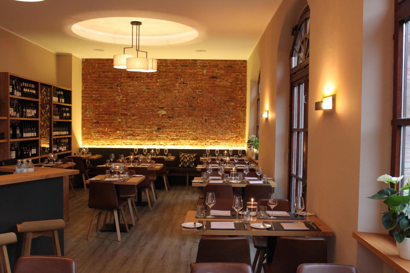 restaurant gusto natural modern grill in n rnberg. Black Bedroom Furniture Sets. Home Design Ideas