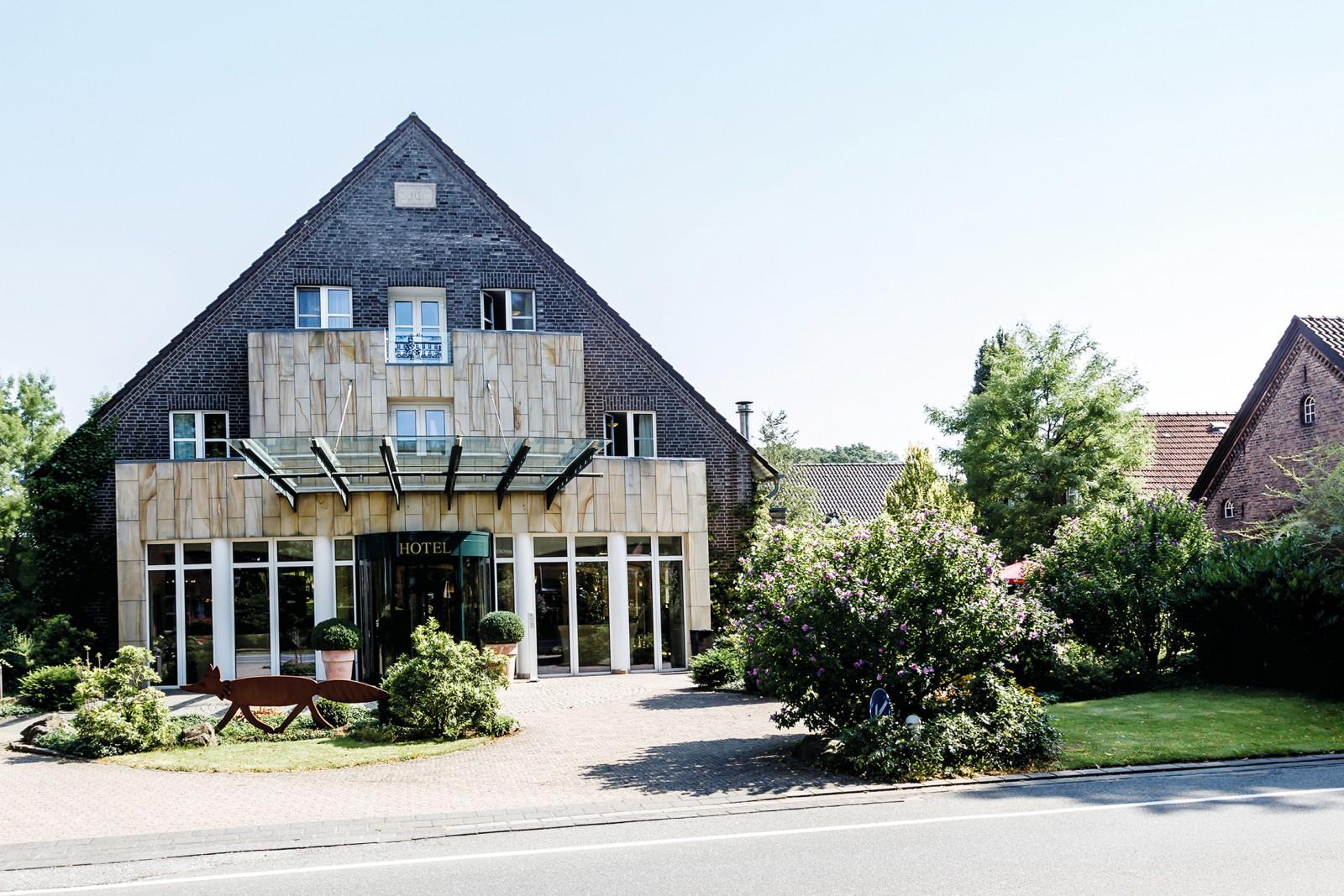restaurant landhotel vosh vel in schermbeck. Black Bedroom Furniture Sets. Home Design Ideas