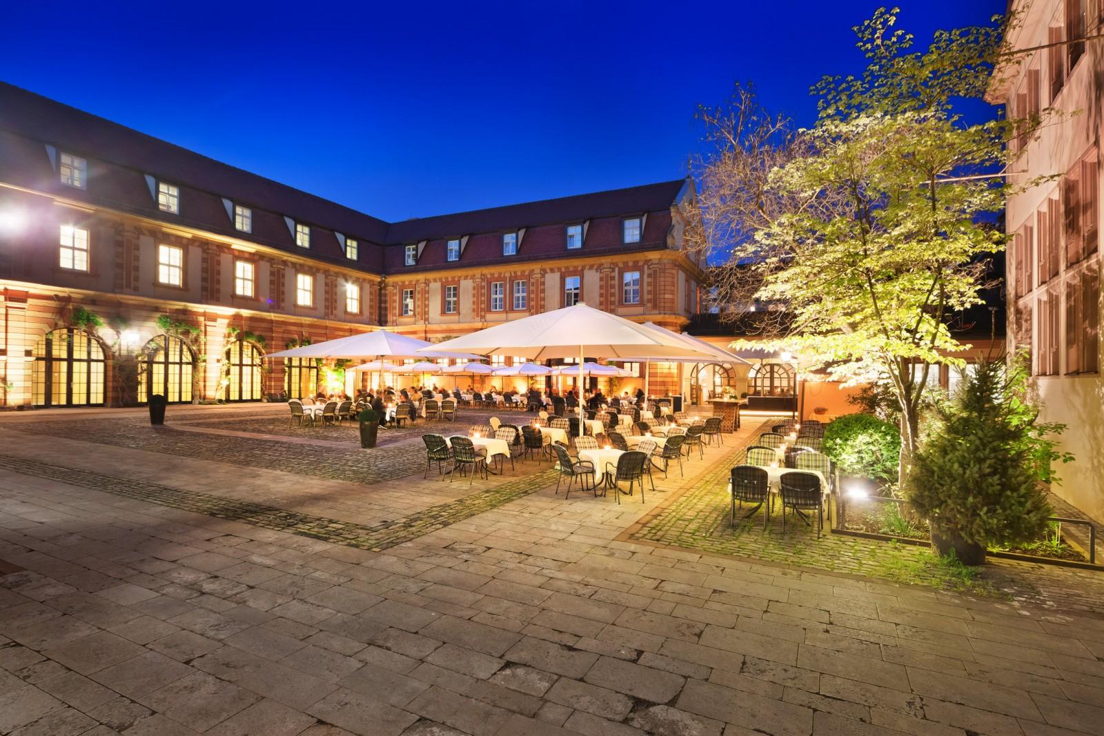 restaurant b rgerspital weinstuben in w rzburg. Black Bedroom Furniture Sets. Home Design Ideas